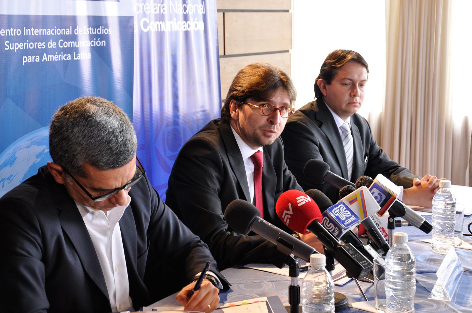 CIESPAL y SECOM firmaron convenio de cooperación interinstitucional