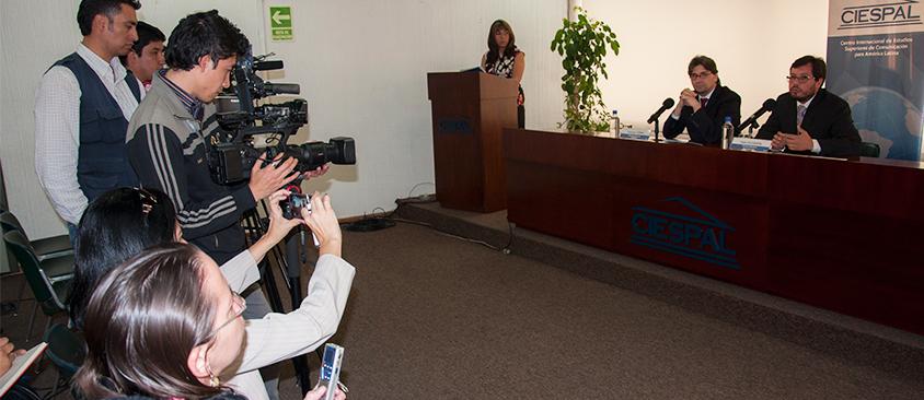 CIESPAL presenta a los medios la Cátedra Julian ASSANGE