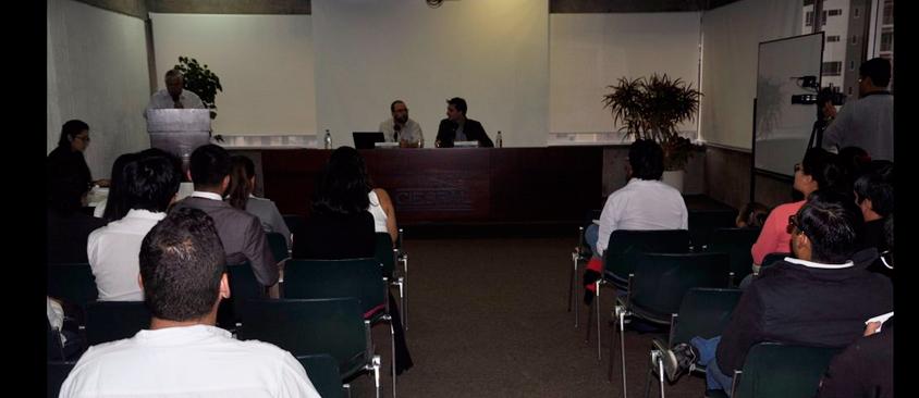 """""""Solo a través de procesos colectivos y solidarios podemos alcanzar un sistema democrático"""" Vicente BARRAGÁN"""