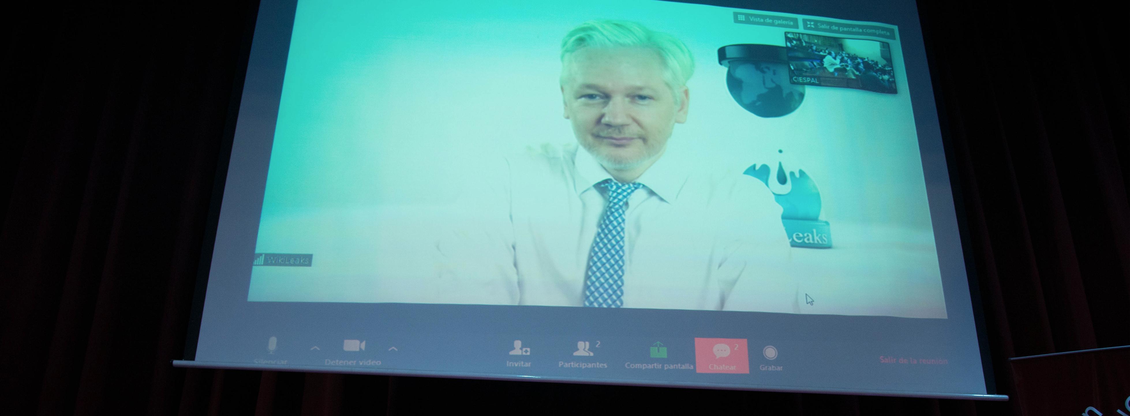 """Julian ASSANGE: """"Silicon Valley no puede ver los peligros de la inteligencia artificial"""""""