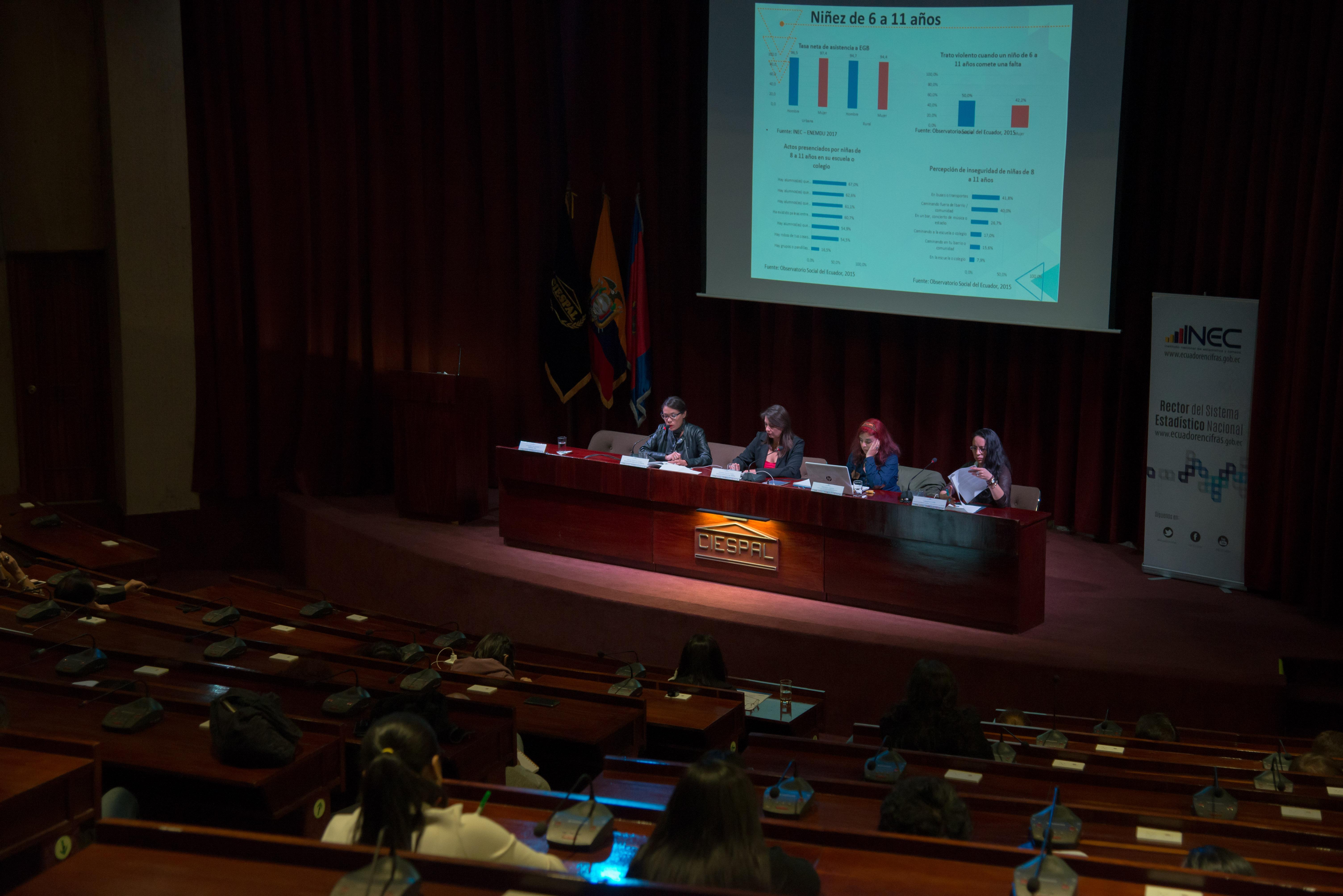 Directora de CIESPAL presentó protocolo institucional contra el acoso y violencia por razón de género en conversatorio sobre la situación de la mujer
