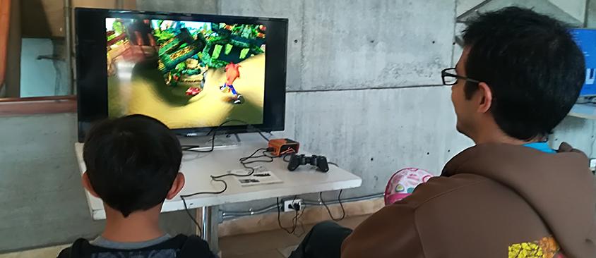 MedialabUIO de CIESPAL convocó a los nostálgicos de los videojuegos en el Retro Game Day