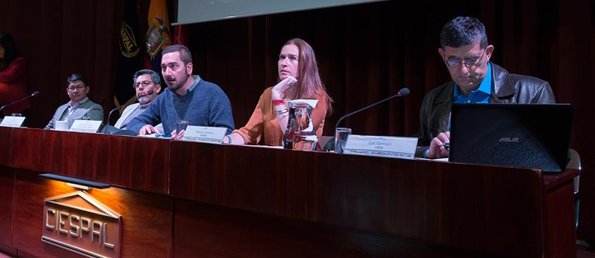 Ciberbulliyng, Internet y regulación tema de debate en CIESPAL