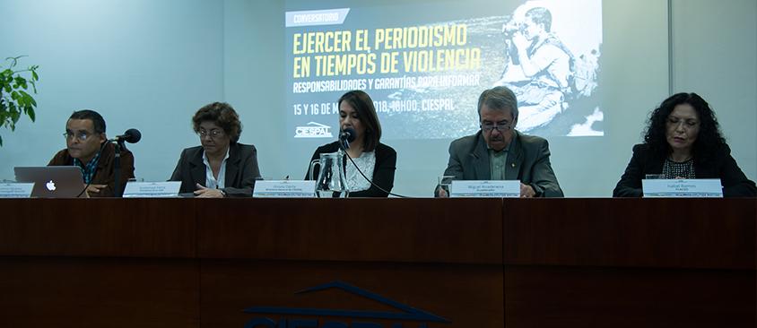 """Se desarrolló el primer panel de """"Ejercer el periodismo en tiempos de violencia"""""""