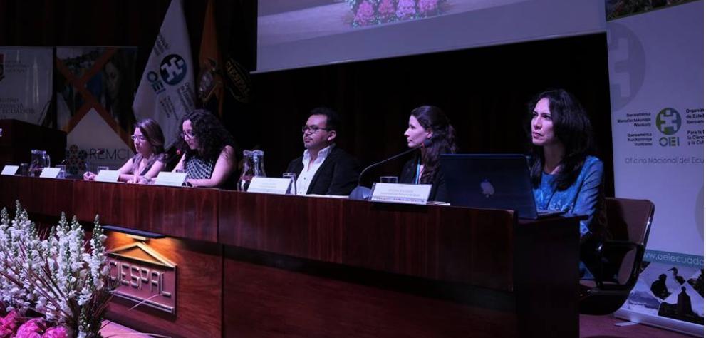 Académicas y científicas analizaron la inserción laboral de las mujeres en el campo científico